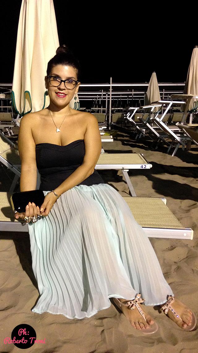 curvy salad outfit maxi gonna skirt dress riccione holiday beach style infradito sandali flat brunette curvyblogger curvygirl beach